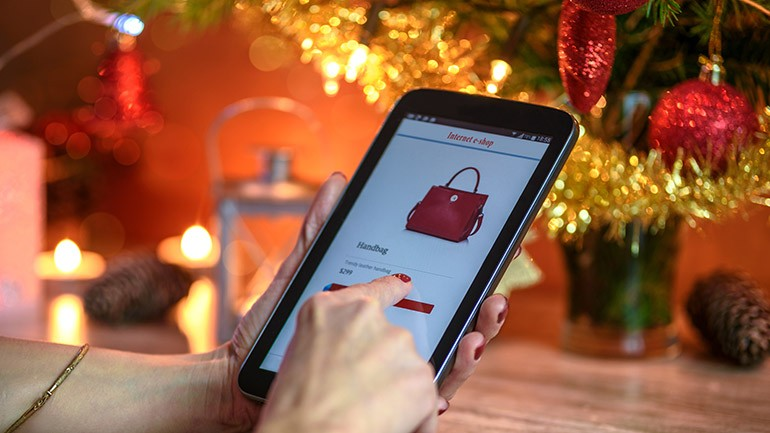 E-Commerce Strategies - Holiday eCommerce Shopping